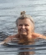 Tove-Skutnabb-Kangas-fi-swimmer (109K)